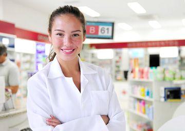 Gestão de Filas e senhas de espera para Farmácias O sistema de Gestão de Filas QSystems organiza e reduz as filas de espera nas farmácias, fornecendo aos clientes informação clara e precisa sobre a sua vez de ser atendido.