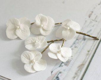 Hydrangea hair clip white hydrangea flower bridal hair hydrangea hair clip mightylinksfo Image collections