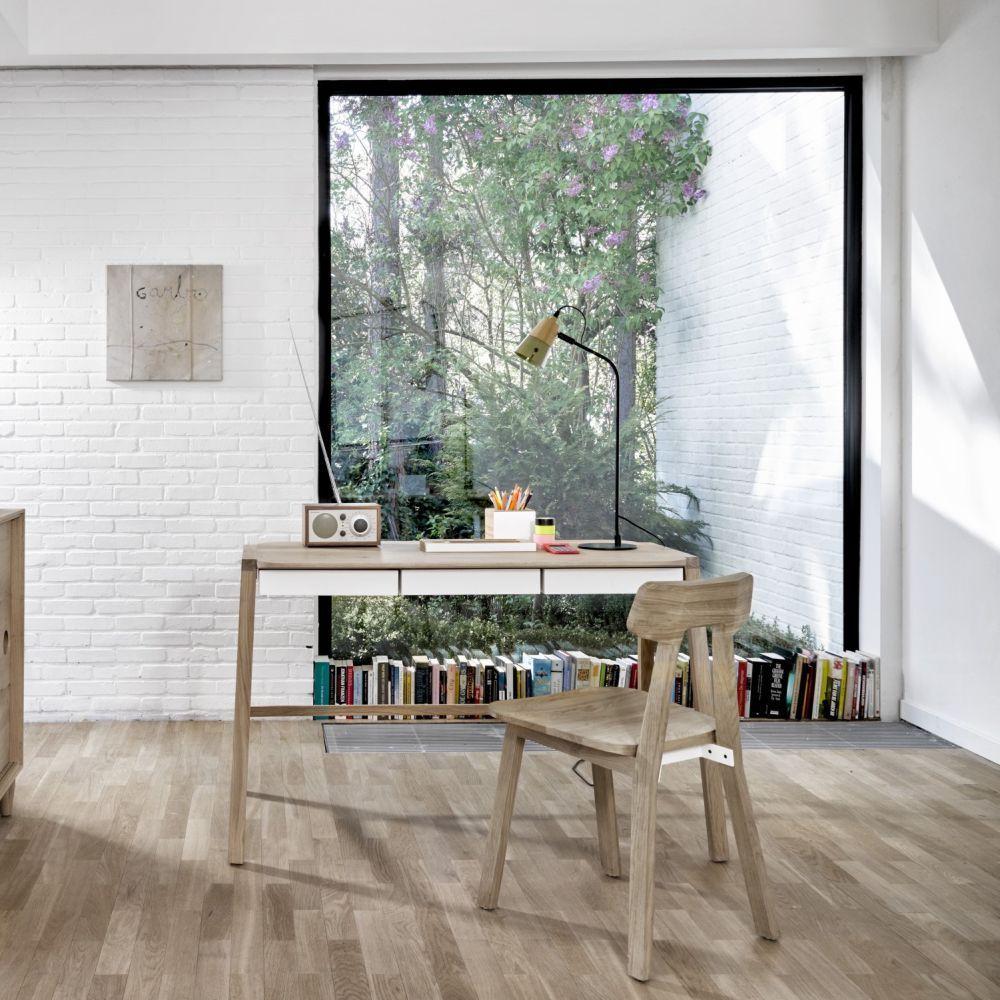 Simple And Comfortable Homeoffice Space Momastudio Office  # Meuble Tv Universo Positivo
