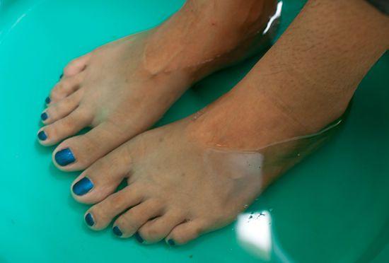 Get Rid Of Foot Odor Beauty School Foot Odor Stinky