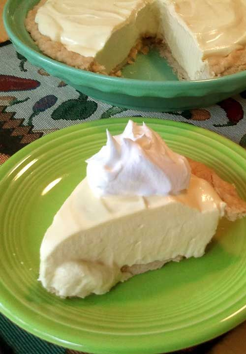 Recipe For 4 Ingredient No Bake Lemon Pie Recipe No Bake Lemon Pie Desserts Lemon Recipes