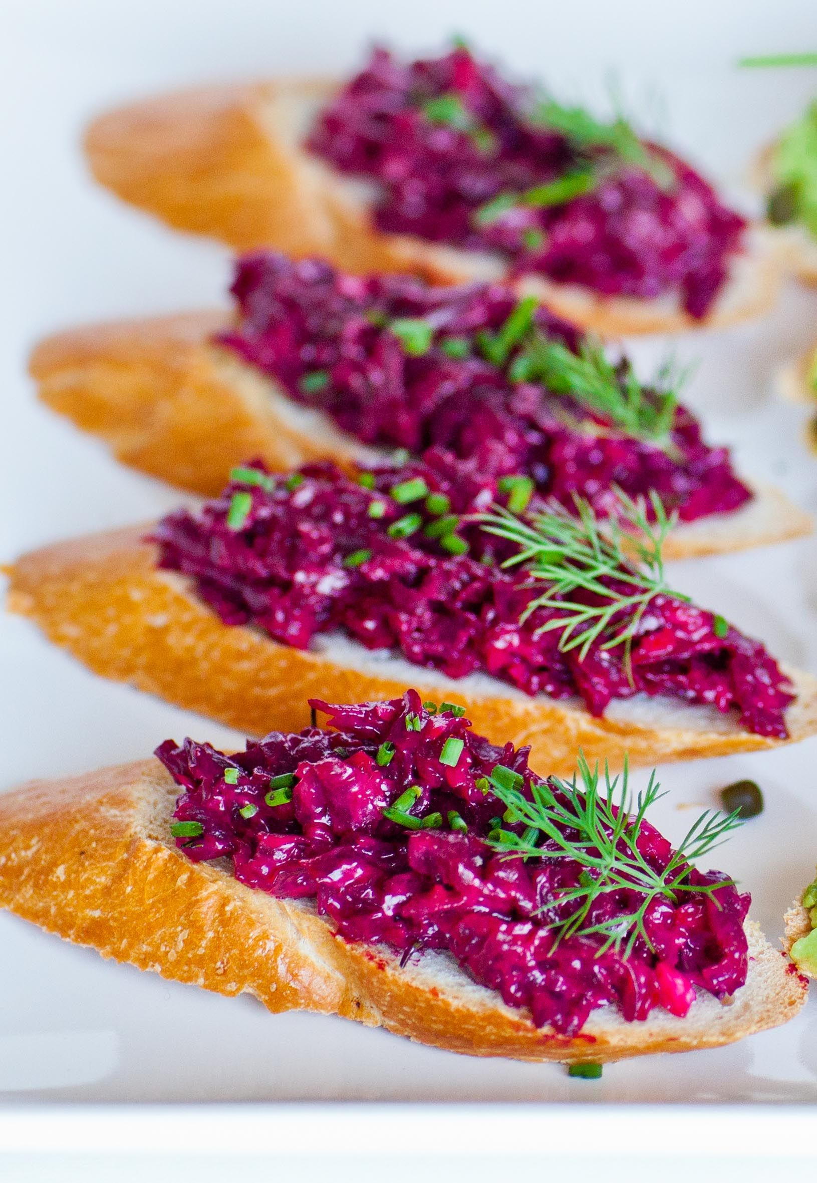 Beets with garlic and mayonnaise. Cooking recipe, useful properties and recommendations 11