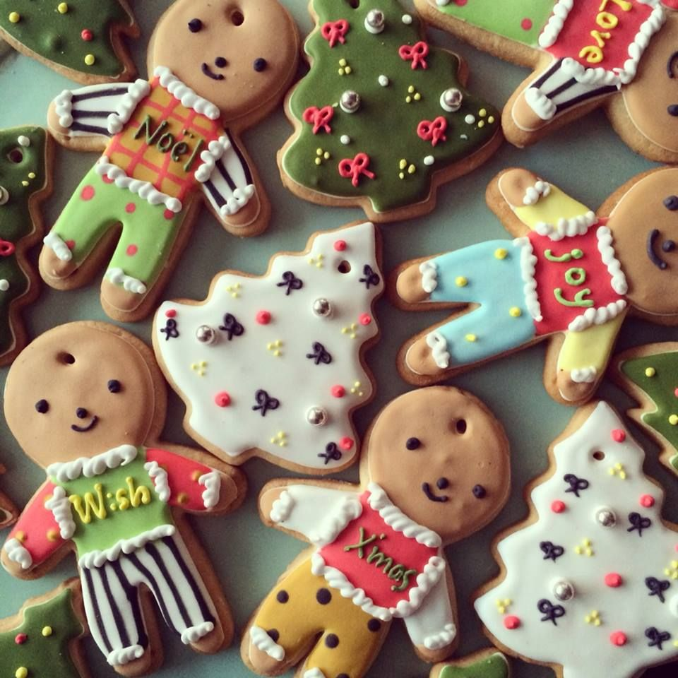 pretty christmas ornament sugar cookies