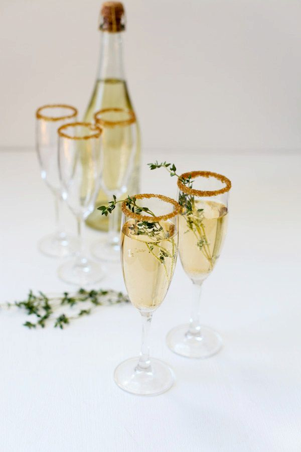 New Years Cocktail Party Ideas Part - 39: 16 DIY New Years Eve Party U0026 Wedding Ideas {Gold And Glitter}