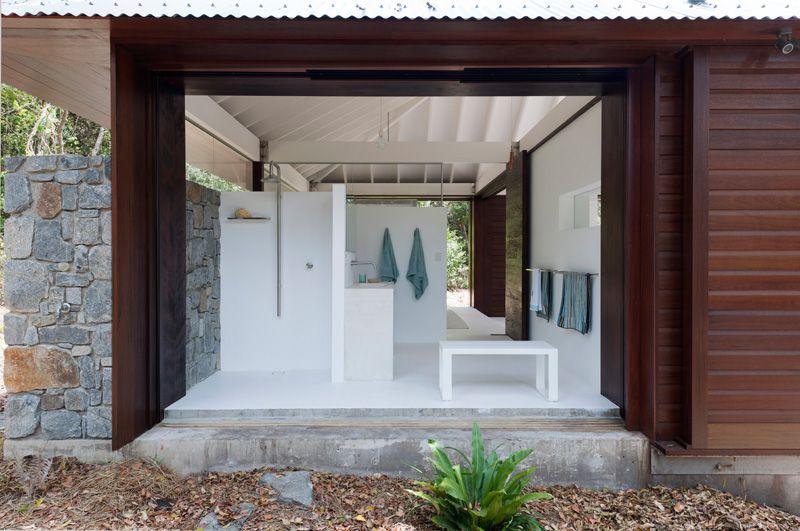 tropical beach house bathroom