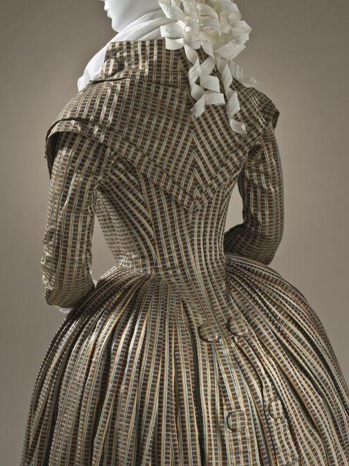 Fashionsfromhistory@Tumblr: 1790's Redingote