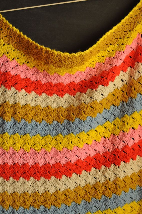 Vintage afghan. Diagrams and tutorials for similar patterns here ...