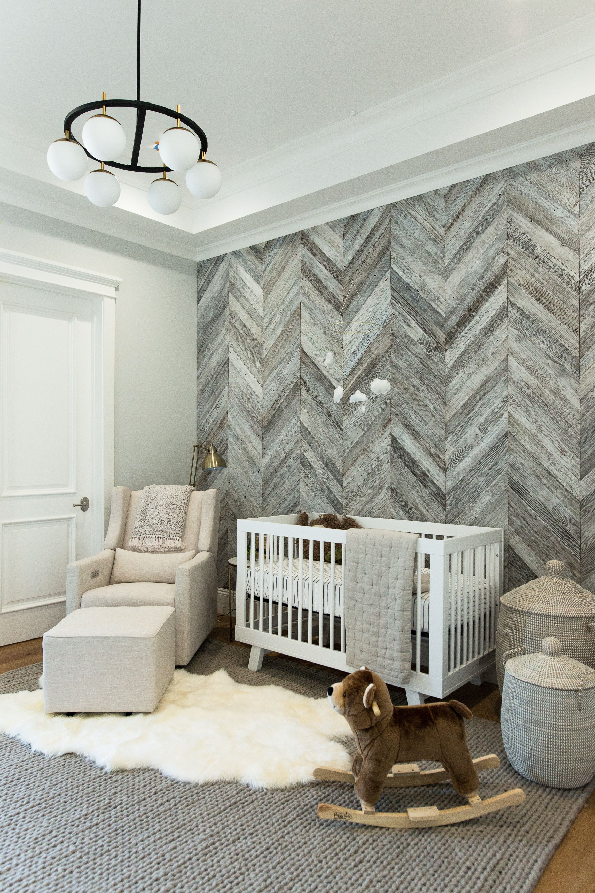 Diy Herringbone Wood Wall In 2019 For The Home Diy