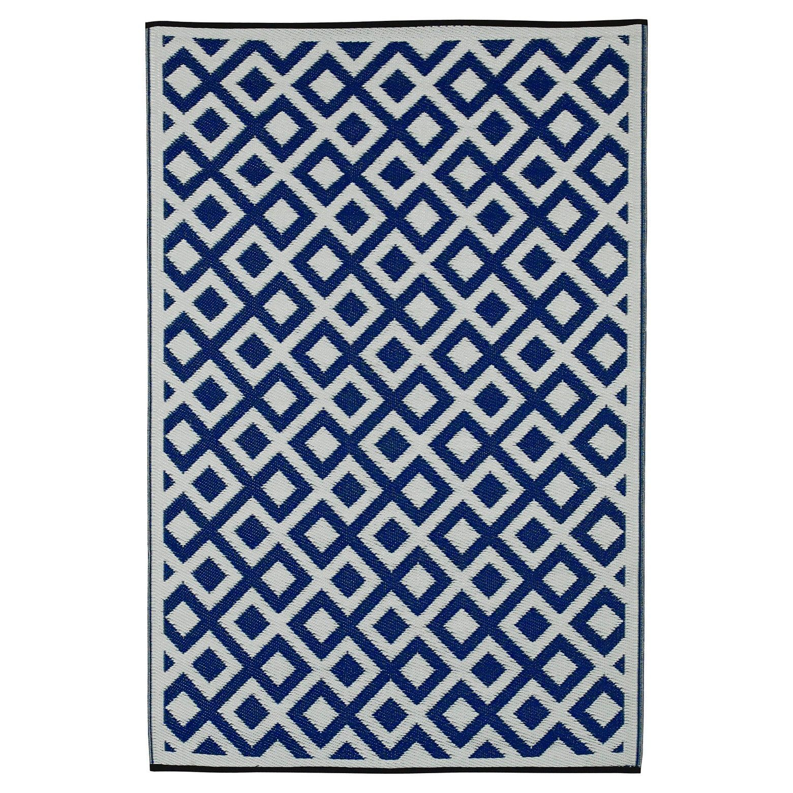 These Beautifully Crafted Rugs Are Made Following The Fair Trade Principles Fab Rugs Add A Touch Of Elegance To Y Outdoor Rugs Outdoor Plastic Rug Fab Habitat