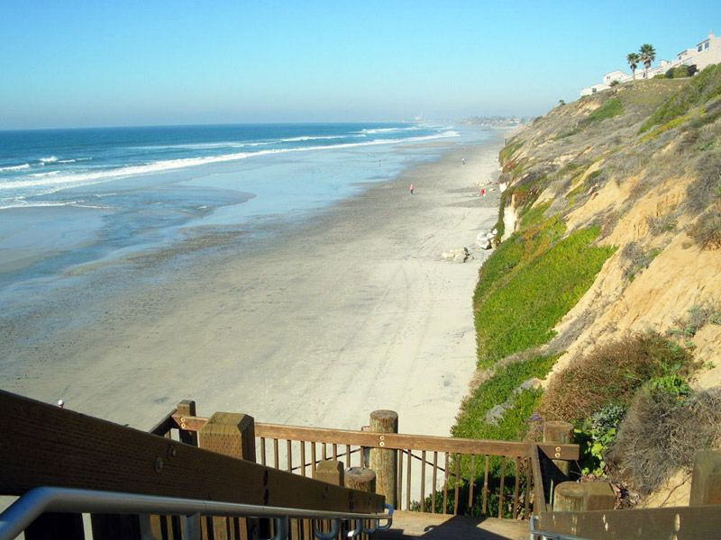 Leucadia State Beach Is Spectacular And Quite A Few San Diego Vacation Homes Back Right Up To The Edge Of San Diego Vacation San Diego Travel Visit San Diego