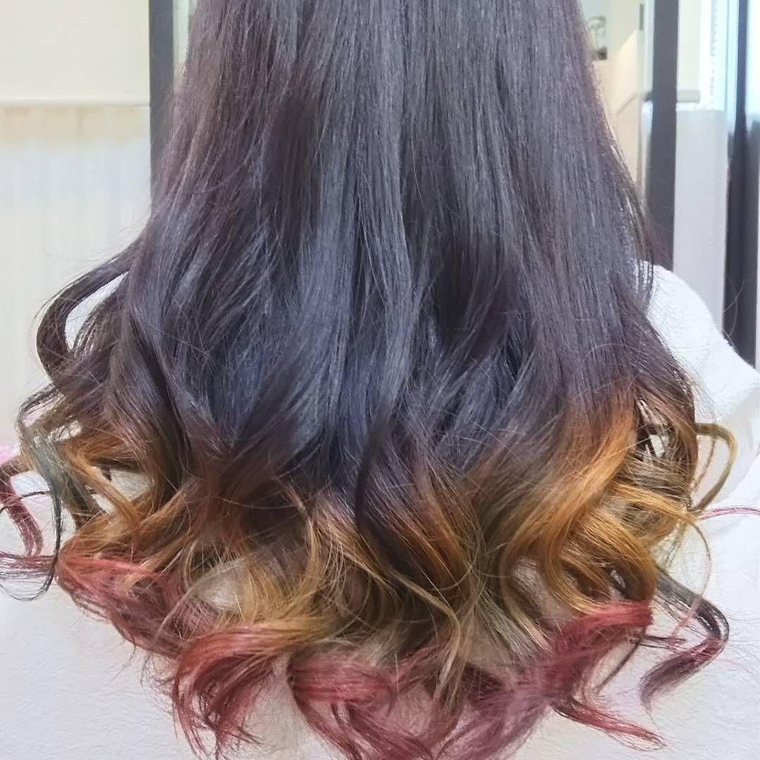 黒染めしている毛を オレンジ レッドのグラデーション インディゴブルーのメッシュ入り にしました いつもありがとうございます 似合う髪型 髪色を知りたい 跳ねる毛を治したい 朝 簡単にセットしたい