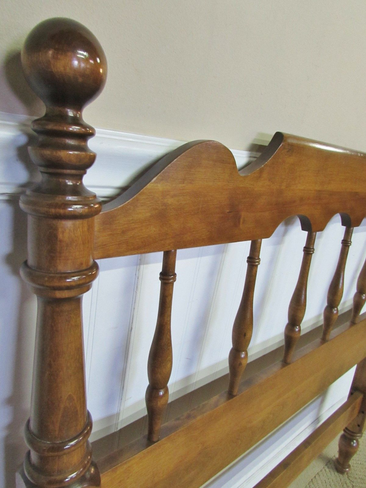 Ethan allen crib for sale - Ethan Allen Spindle Bed Detail