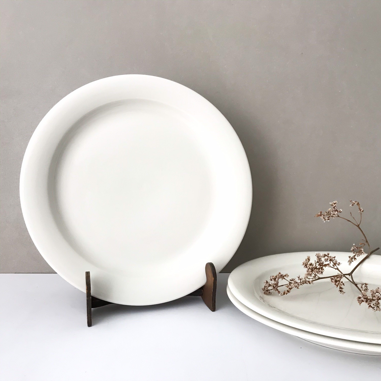 Arabia Arctica 3 Dinner Plates Vintage White Scandinavian Etsy In 2020 Scandinavian Dinnerware Plates Dinner Plates