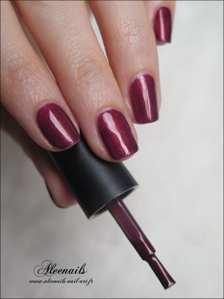 http://aleenails-nail-art.fr/swatch-sizzling-ruby-ilak-mini ...