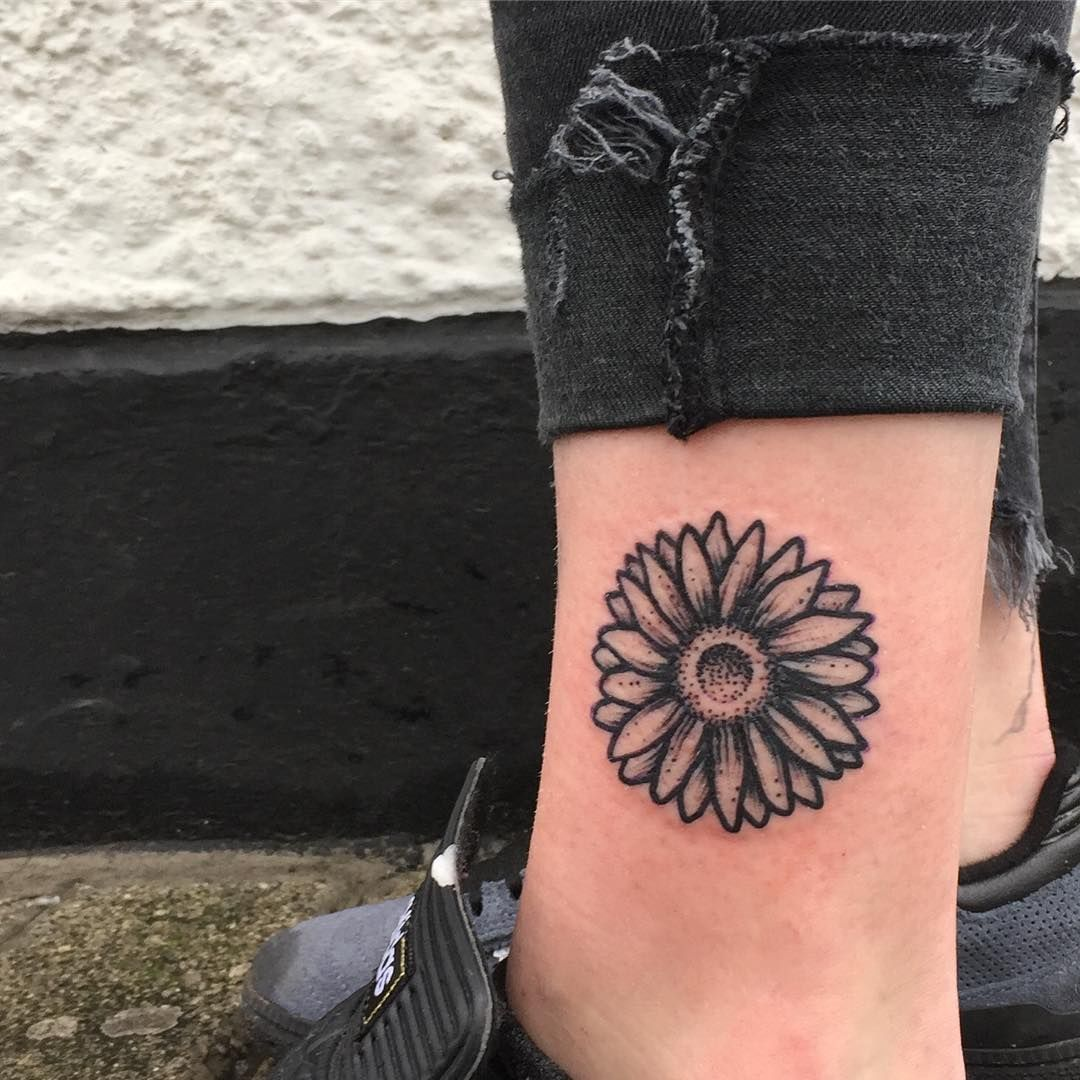 85 Best Daisy Flower Tattoo Designs Meaning 2018 Tattoo