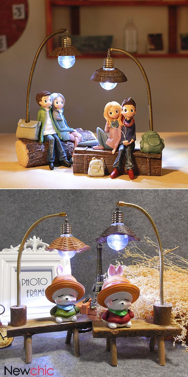 Couple Night Light Resin Crafts Ornaments Retro Lovers Miniature Figurines LED Lamp Ideal Gifts.