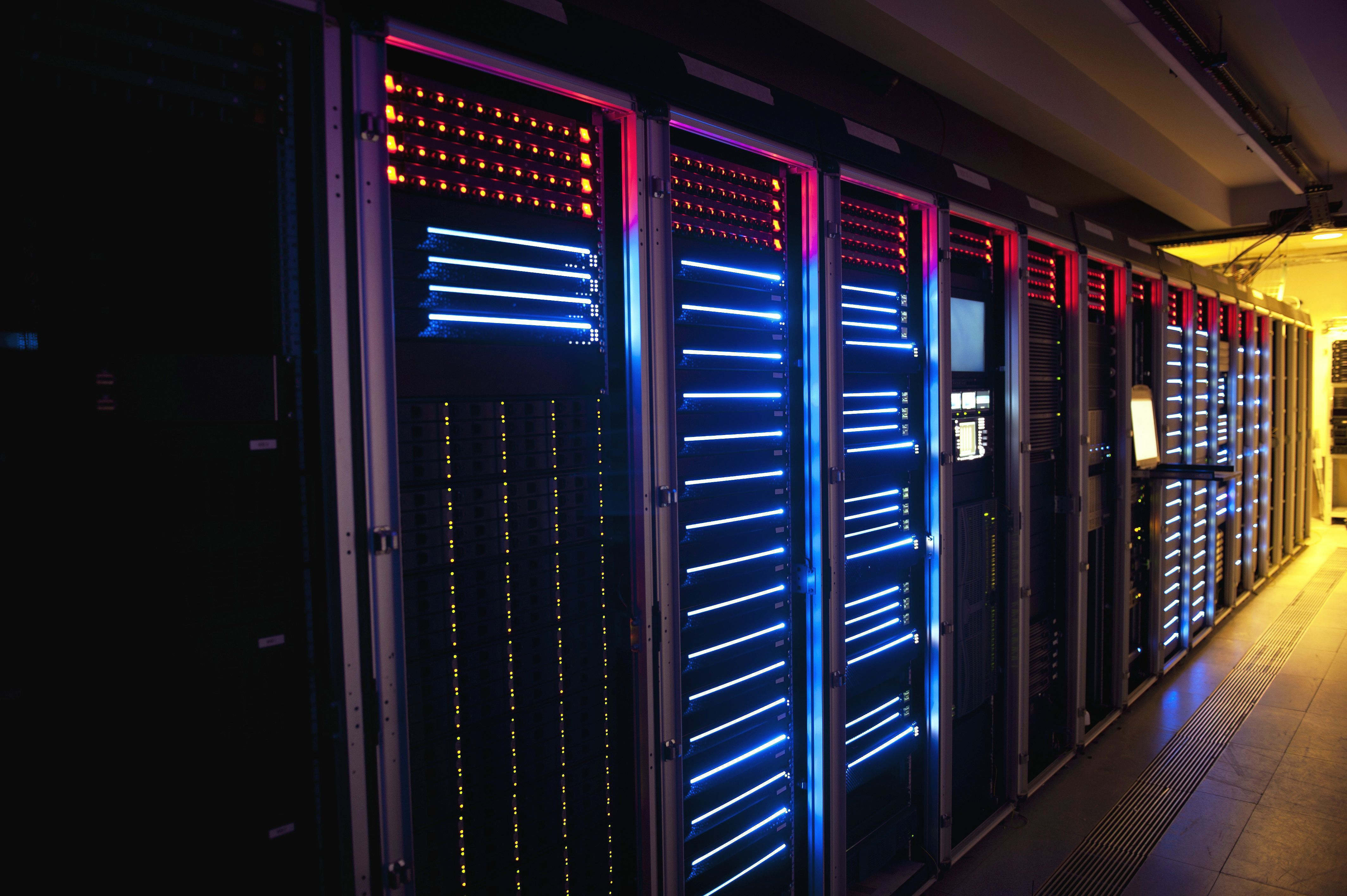 Supercomputers Machine Meteorologists That Help Issue Your Forecast Supercomputer Data Center Big Data