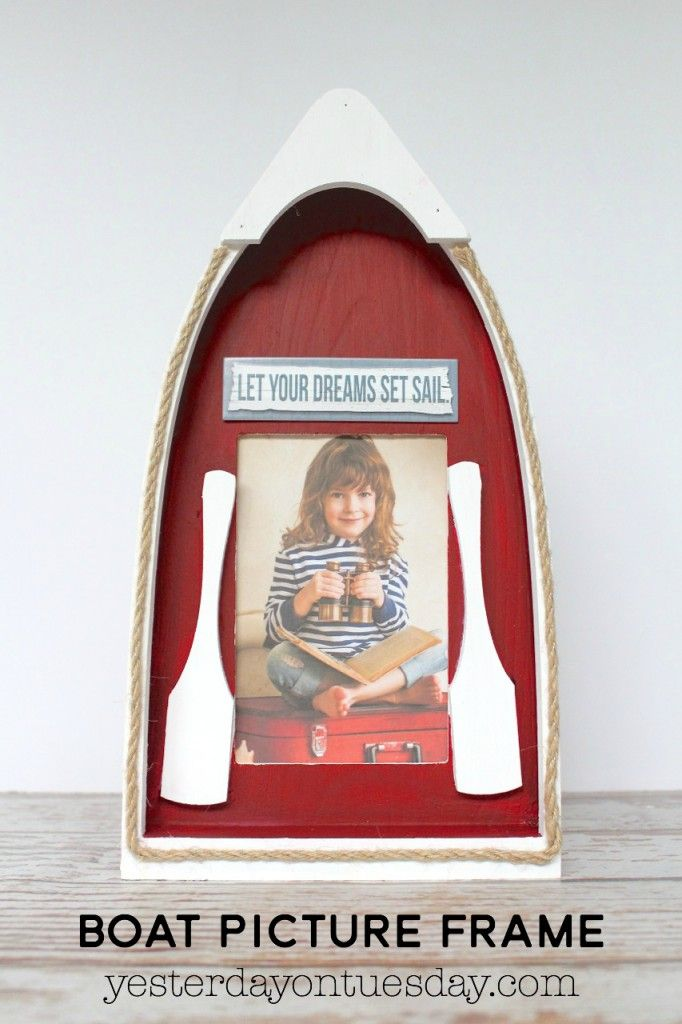 Diy boat picture frame how to make a beachy themed picture frame diy nautical decor ideas including a mermaid sign nautical lantern rowboat picture frame air plants in shells and treasure trinket box solutioingenieria Image collections