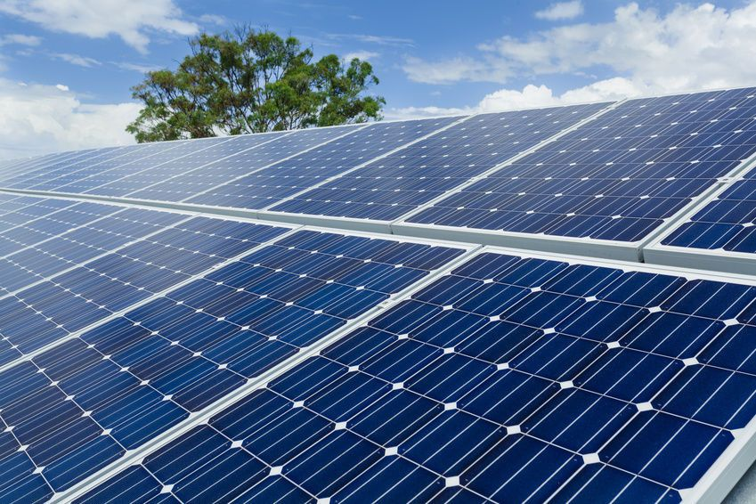 Guide To Solar Panels Perks And Cons Of Solar Pv Solar Panels Solar Solar Energy Panels