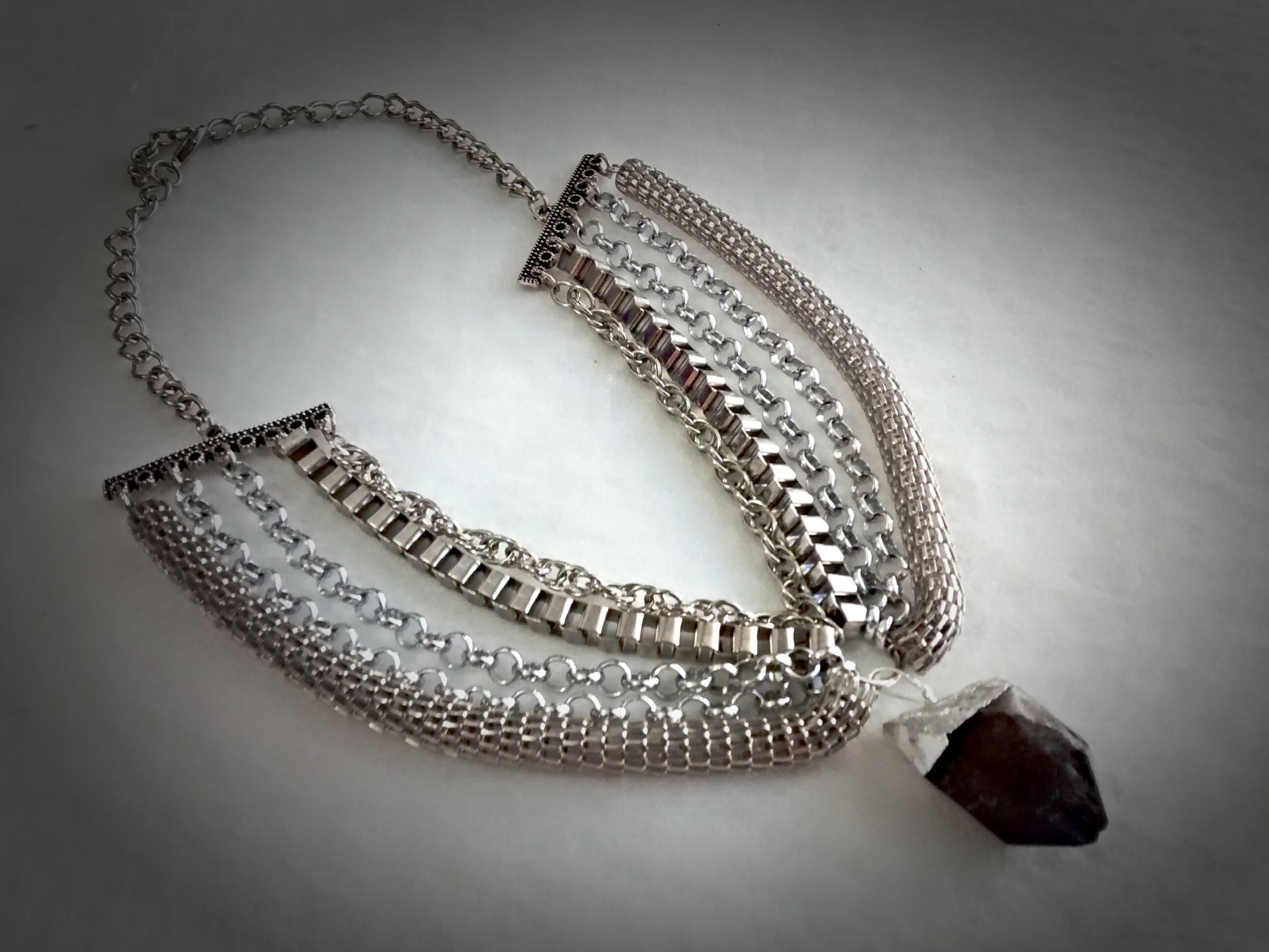 73c4ffdb564f Collar mix de cadenas con piedra negra. SC
