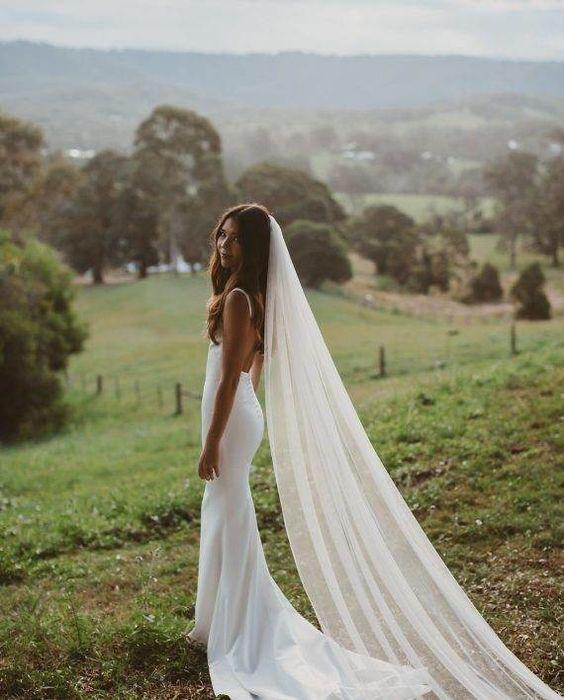 35 Unusual Veils For Every Bride To Stand Out Wedding Veils Bride Veils Veils Bridal Hochzeit Kleidung Kleider Hochzeit Meerjungfrauen Kleid Hochzeit