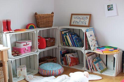 ideas decorativas con cajas de frutas fotos e inspiracin para decorar la habitacin de los nios con cajas estanteras jugueteros organizadores etc - Muebles Con Cajas De Fruta