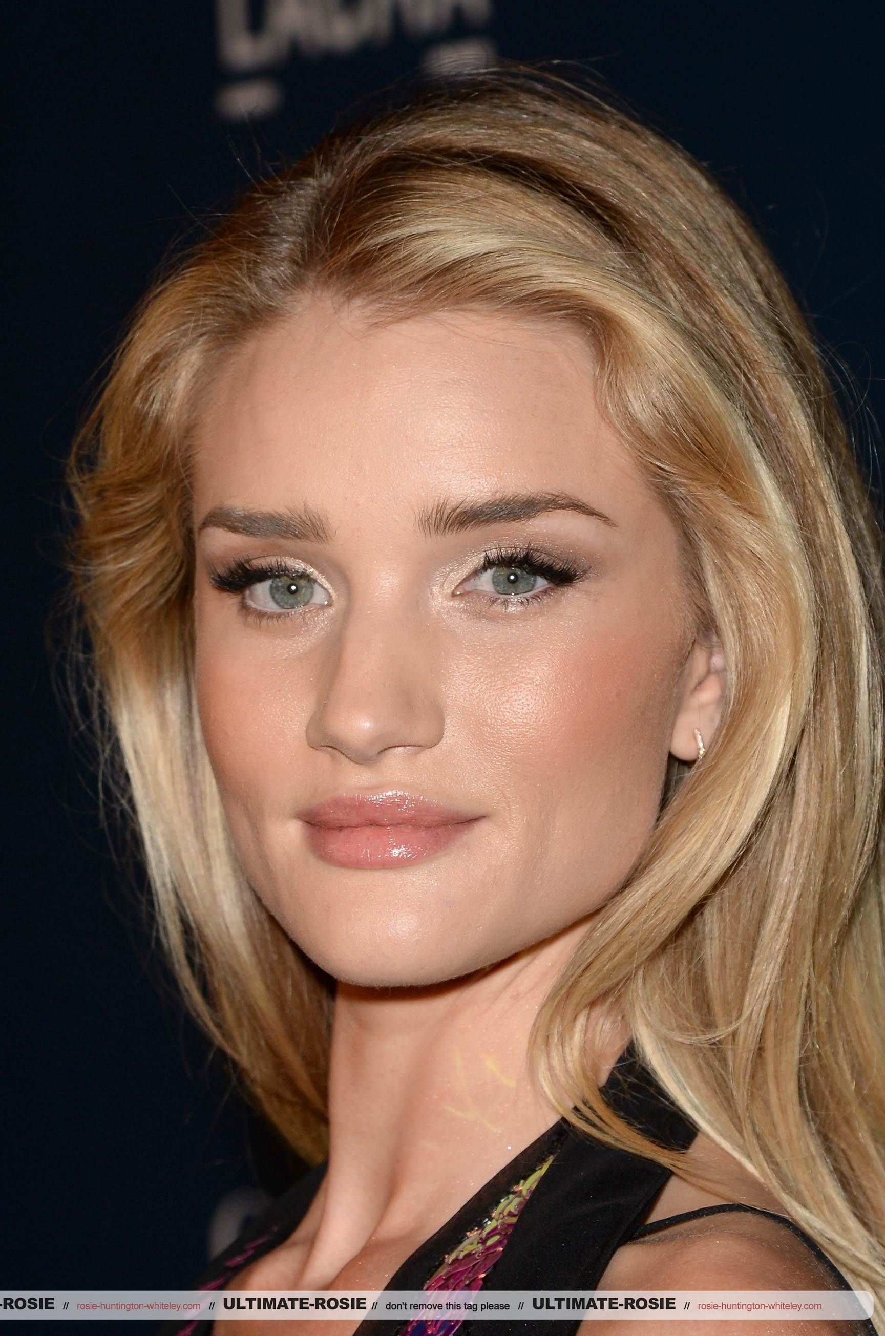 rosie huntington whiteley (With images) Flawless skin