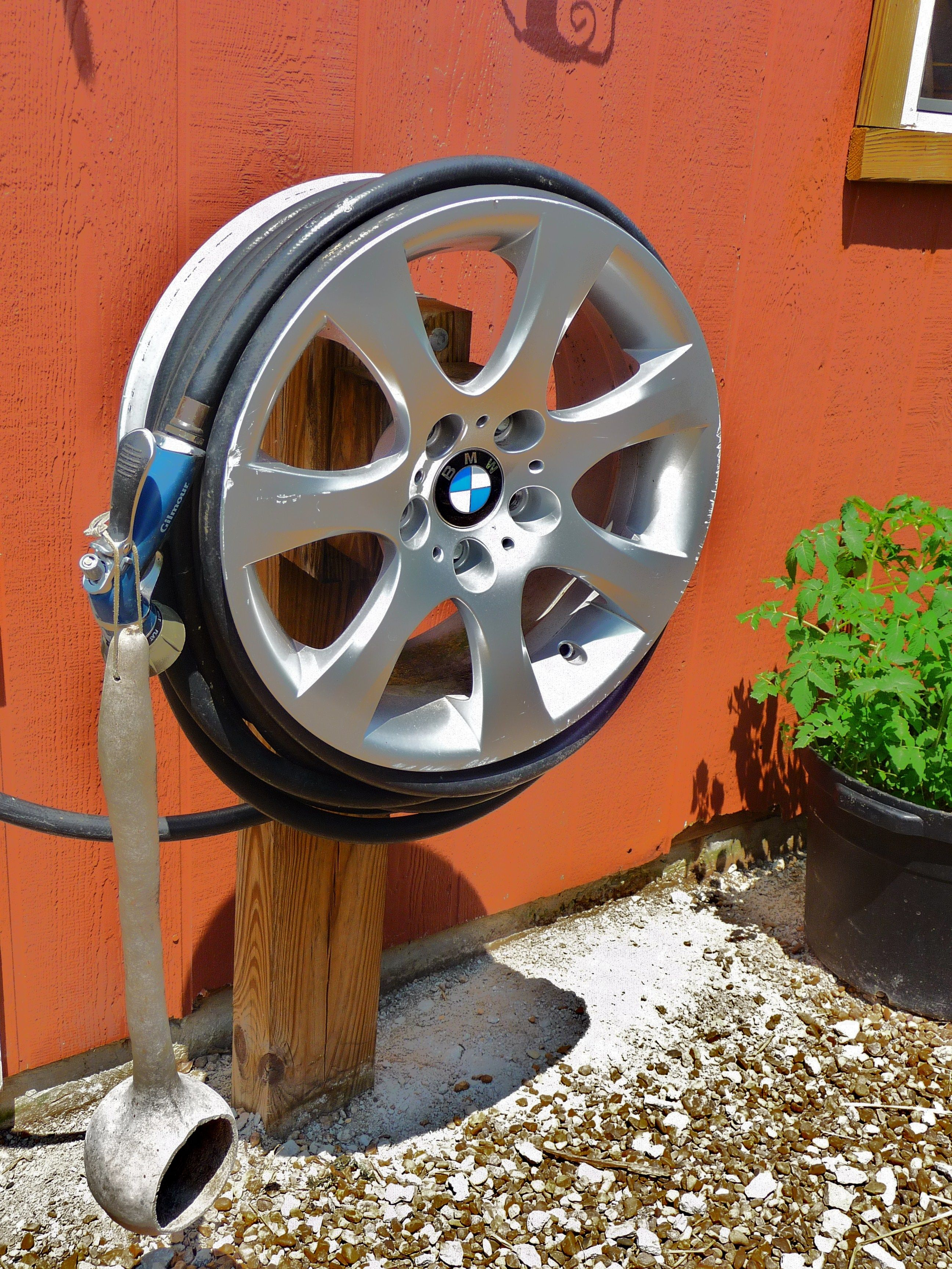 BMW Hub Cap upcycle - Hose Reel Upcycle Car Parts - Reuse Recycle Repurpose DIY DIY using parts from Cars Motorcycles Trucks and more. & BMW Hub Cap upcycle - Hose Reel Upcycle Car Parts - Reuse Recycle ...