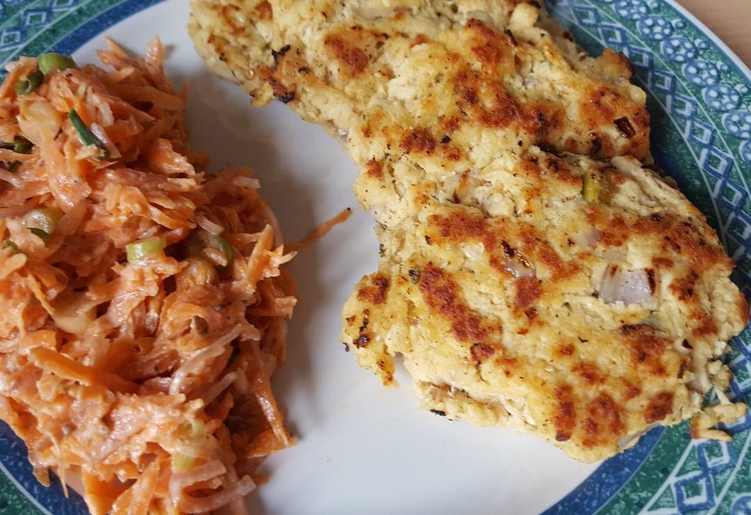 Carrot slaw with shredded chicken pancakes  #fitness #protein #healthy #fitfam #gym #eatclean #cleaneating #foodporn #fit #gains #nutrition #health #lowcarb #fitlife #healthyeating #healthyfood #healthyliving #gainz #recovery #fuel #macros #gymlife #postworkoutmeal #homemade #foodie #food #foodgasm #foodporn #fitnesslifestyle