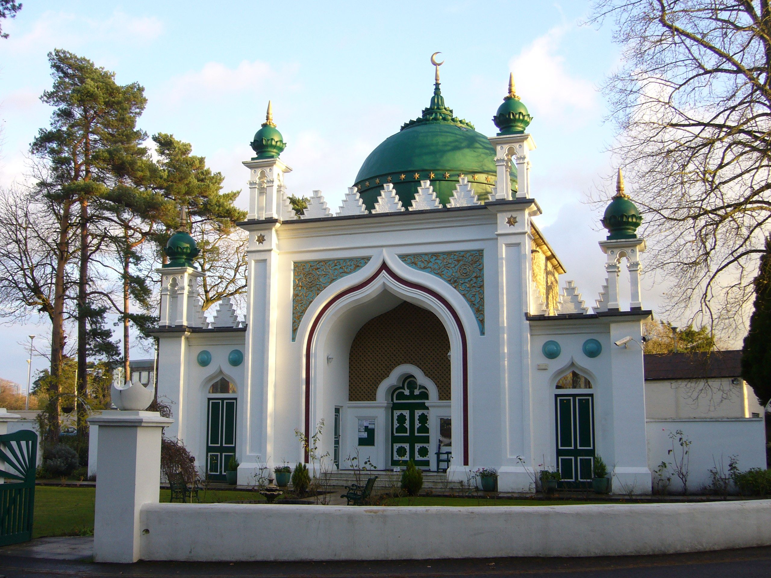 The Shah Jahan Mosque, built in 1889, was reportedly the first mosque in the United Kingdom; today, the country has more than 1,500.