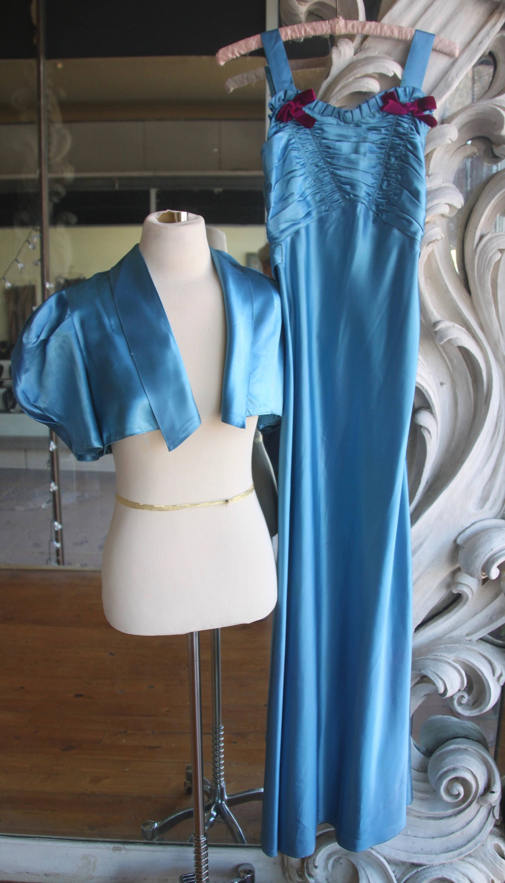 Vintage 1930s 1940s Blue Satin Prom Dress 32 Bust By Sweetlittlevillage On Etsy Satin Prom Dress Blue Satin Trending Outfits [ 3000 x 1719 Pixel ]