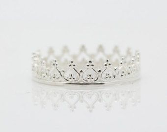 Sterling Silver crown ring. Dainty princess crown ring. Silver princess tiara. Sweet 16 birthday present, or gift for 21st. Heart ring