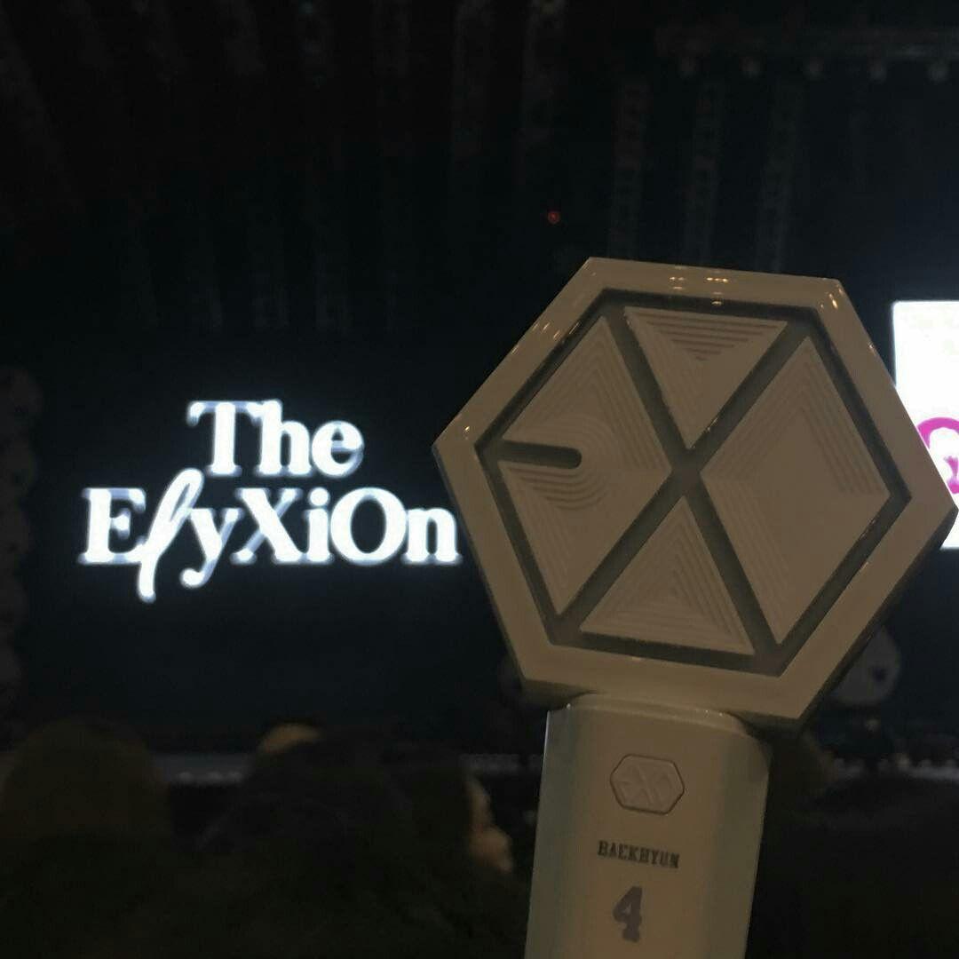 180210 The ElyXiOn in Taipei - Taiwan #EXO #EXOgood #exolightstick