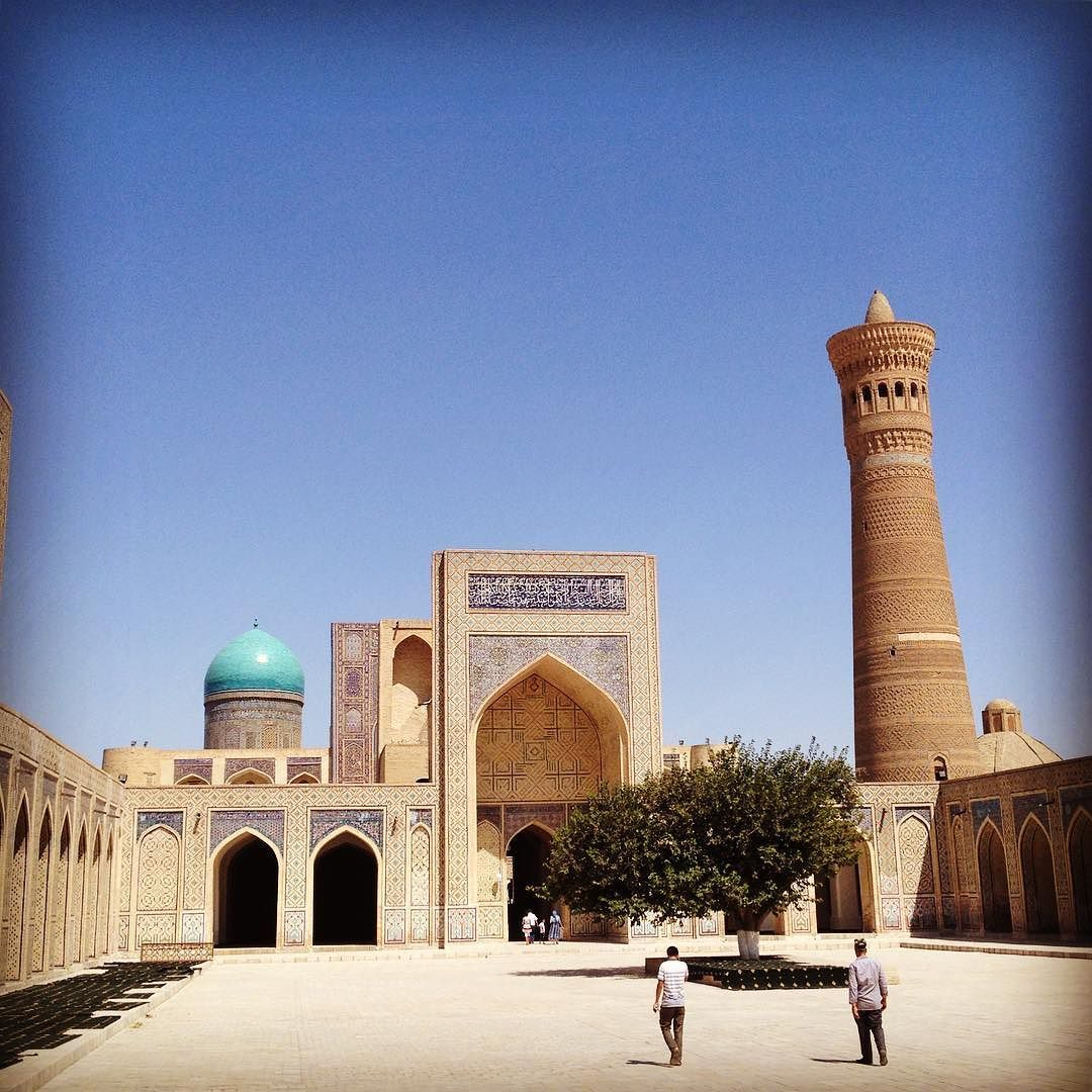 Last shot from Bukhara. This is the Kalon mosque and minaret at noon. I had the place almost to myself. The relentless blue sky makes a stunning backdrop for these ancient Silk Road buildings. It's a big sky out there. #silkroad #bukhara #uzbekistan #adventure #travel #bigbluesky #architecture http://ift.tt/2cozgU5