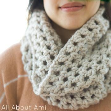 Chunky double crocheted cowl crochet pattern | Chunky yarn ...