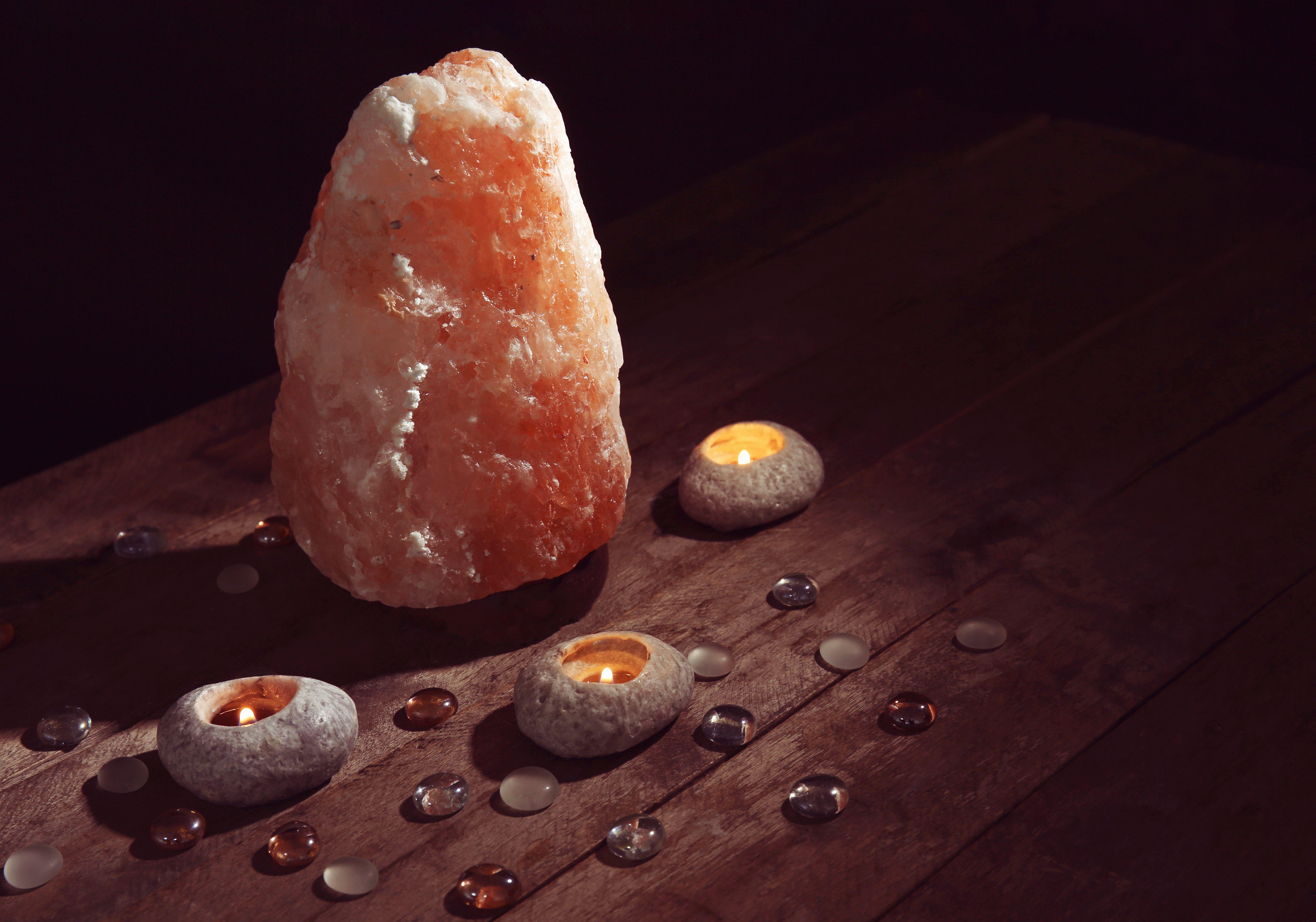 Stunning Large Salt Lamp That Has Healing Properties Himalayan Salt Lamp Salt Lamp White Himalayan Salt Lamp