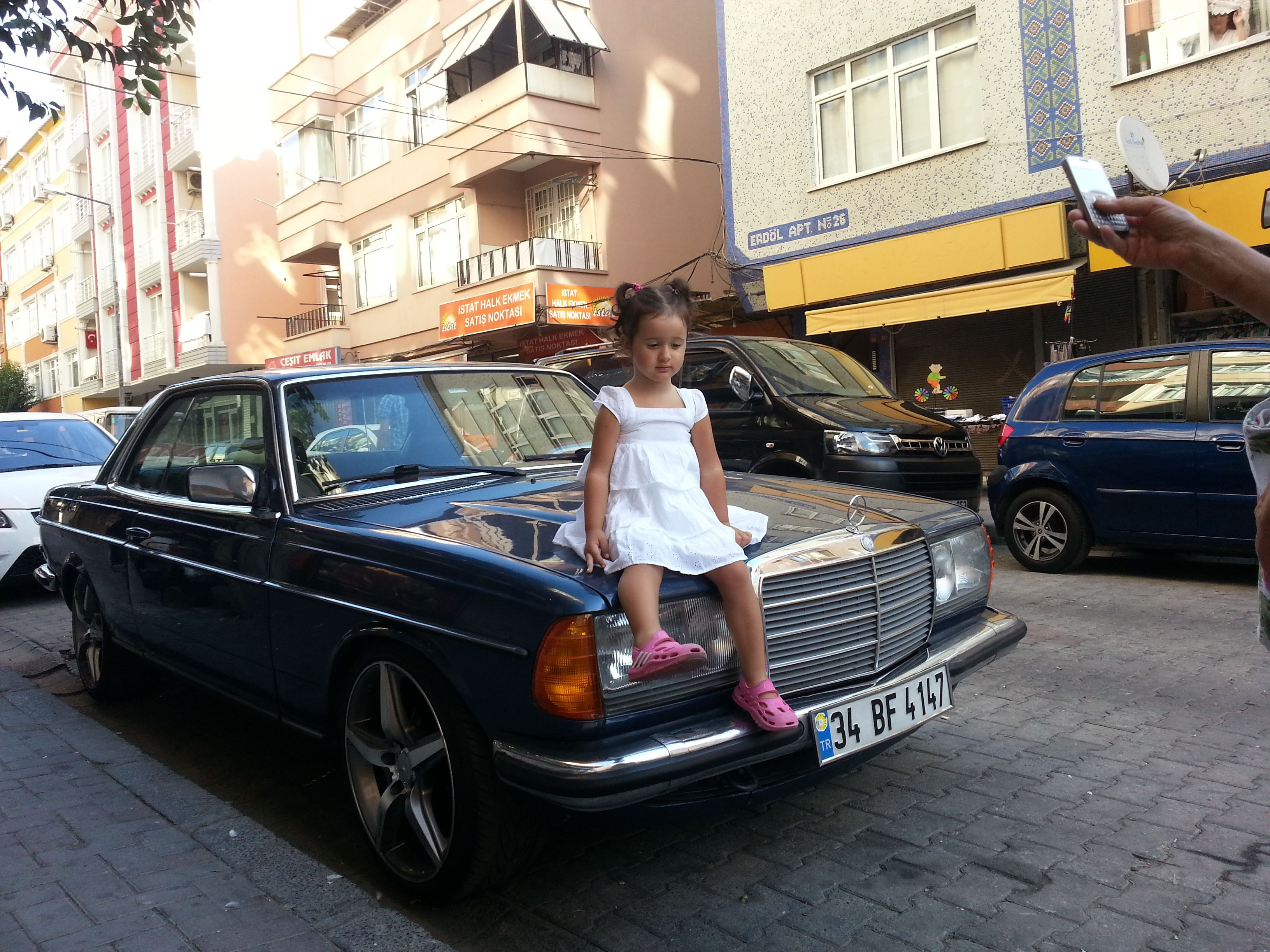 My family old school mercedes benz istanbul for Mercedes benz school