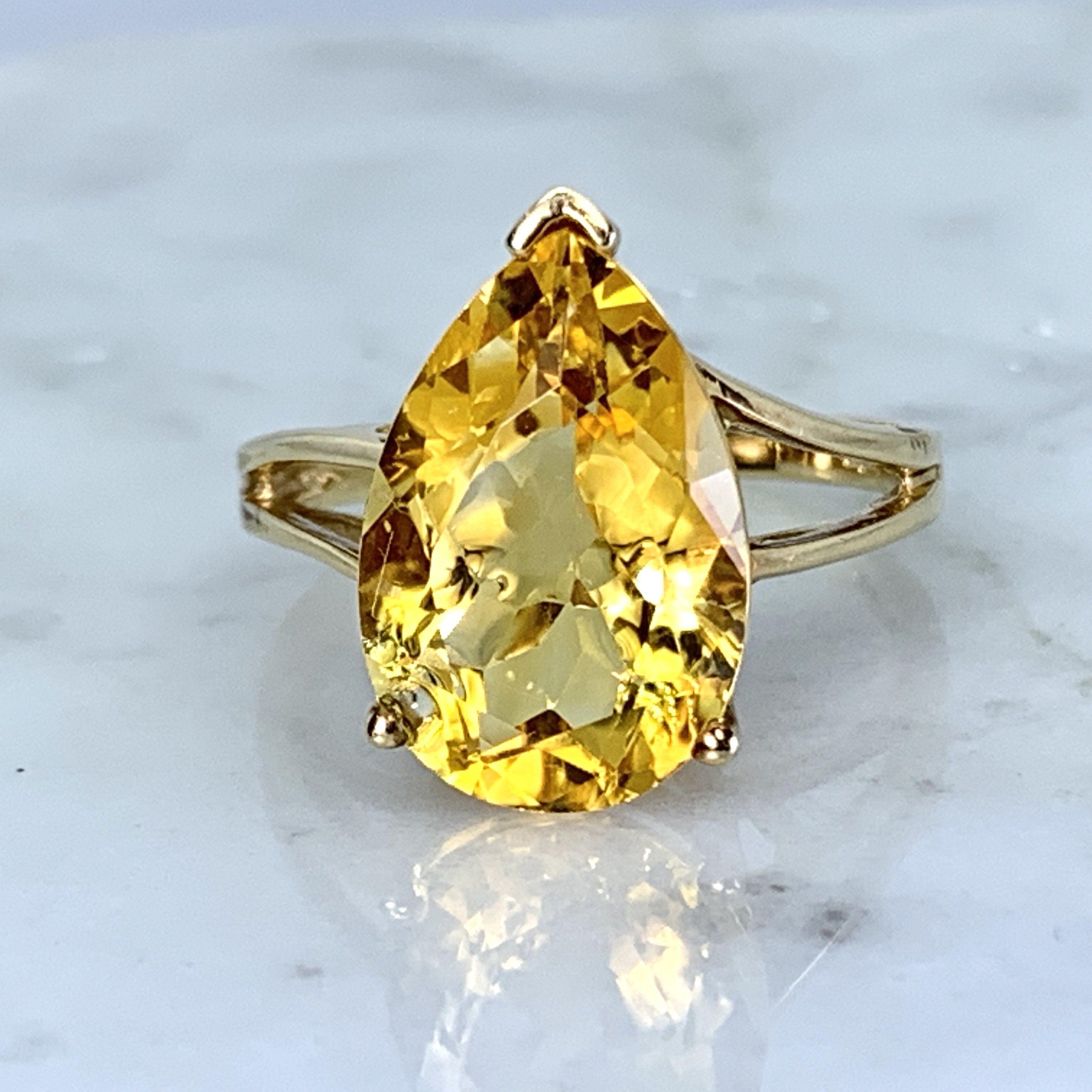 Vintage Citrine Ring 10k Yellow Gold Engagement Ring November Birth In 2020 Citrine Ring Citrine Ring Engagement Yellow Citrine Ring
