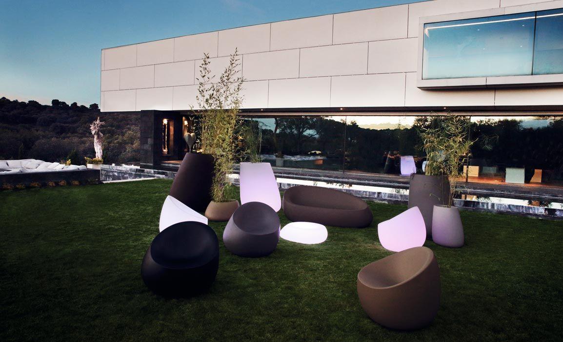Vondom mobiliario exterior e interior maceteros for Muebles industriales baratos