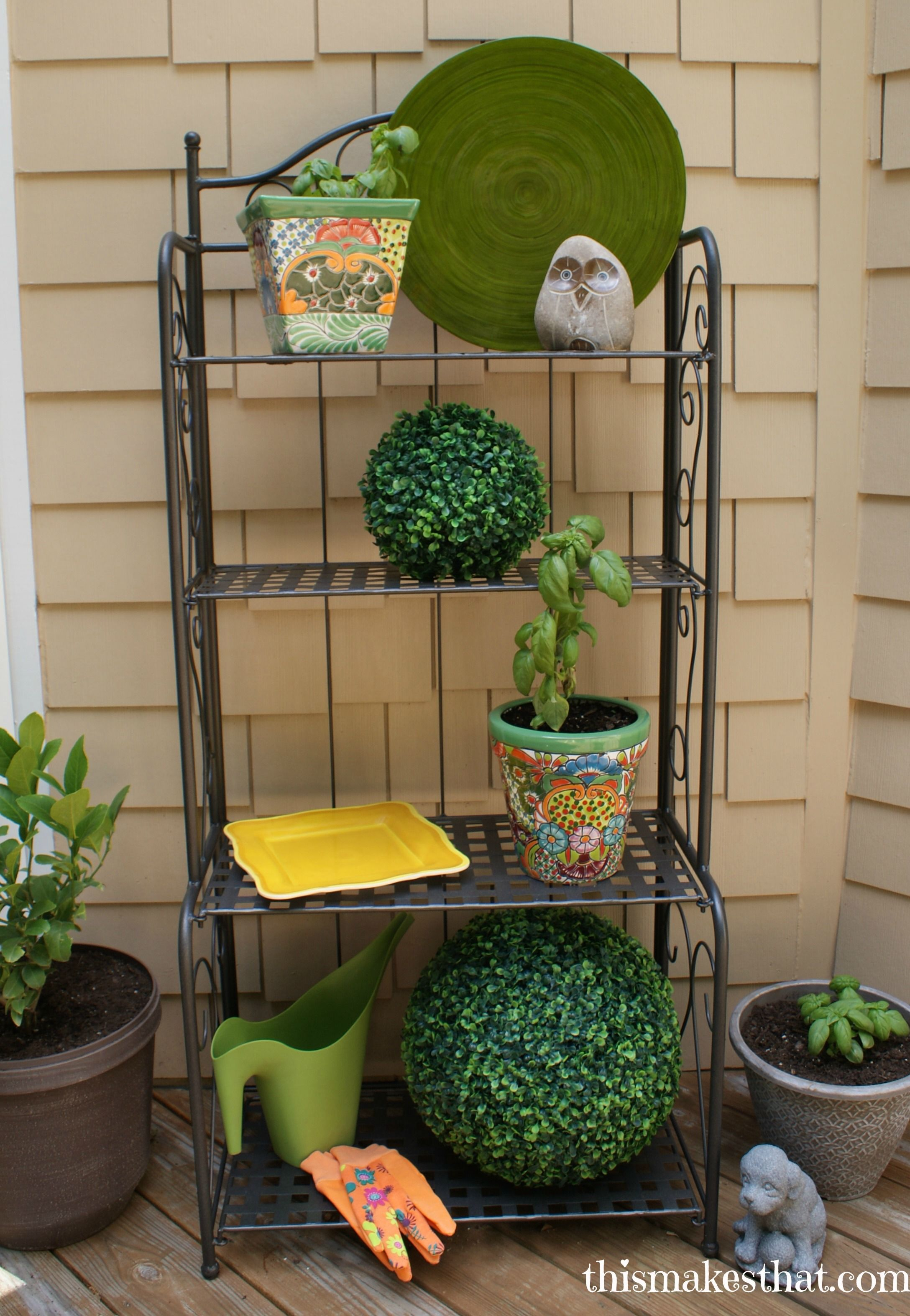 Ideas On How To Decorate An Outdoor Baker S Rack Outdoor Bakers