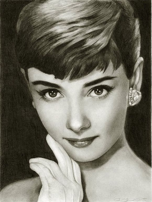 Realistic pencil drawings of celebrities #AudreyHepburn