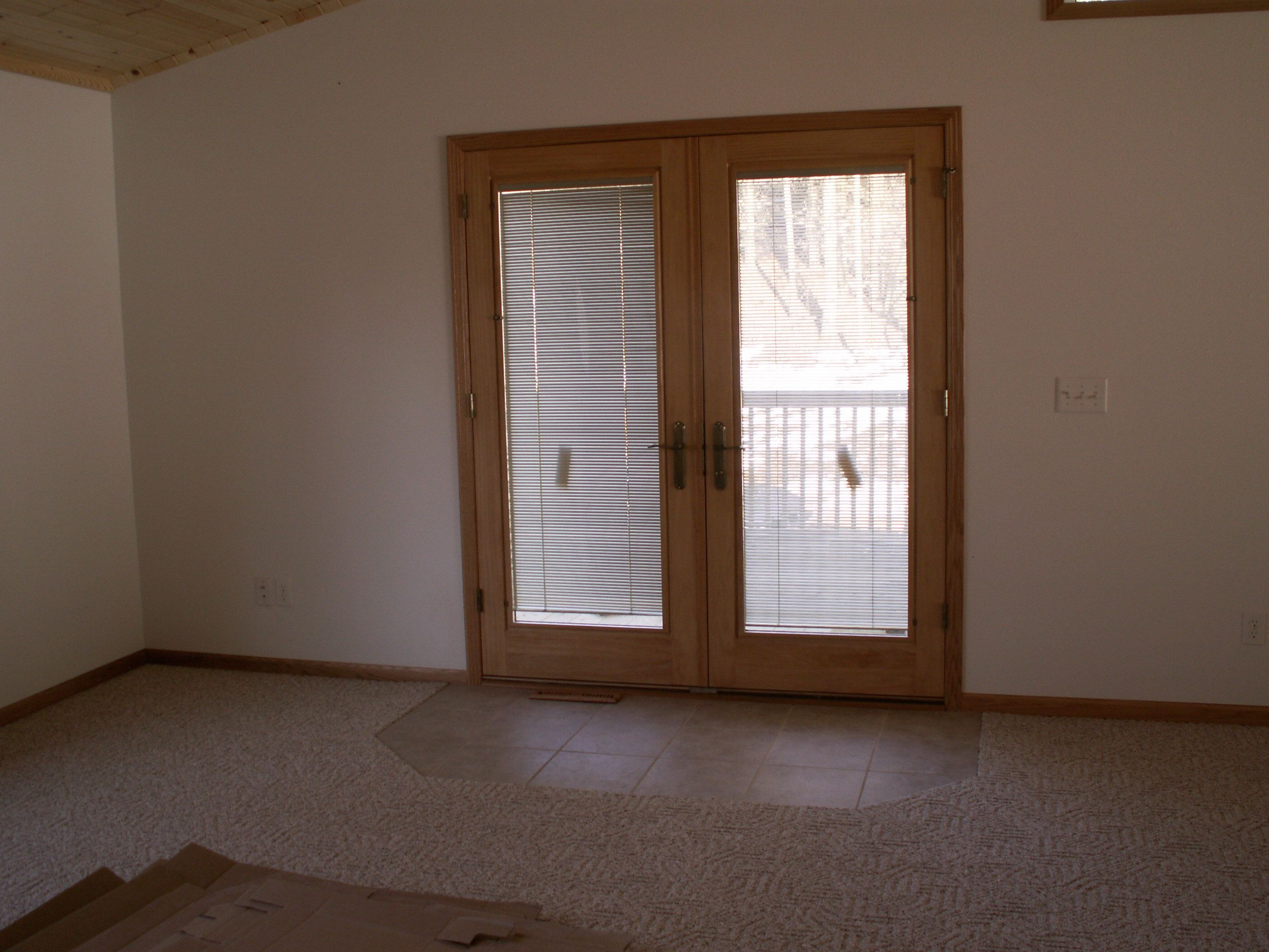 Pella Vinyl Sliding Patio Door With Blinds