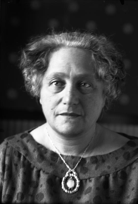 Elsa Einstein - Wikipedia