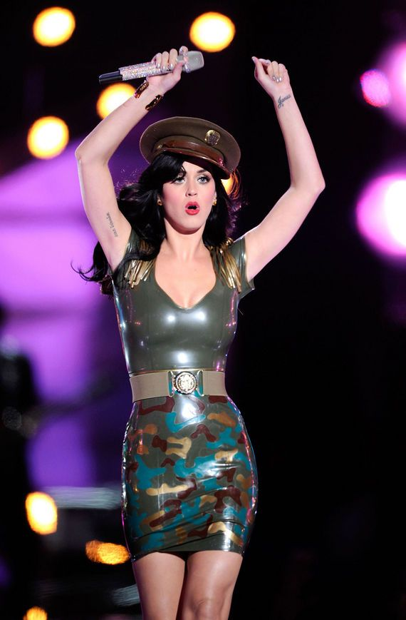 Katy Perry Sexiest Outfits