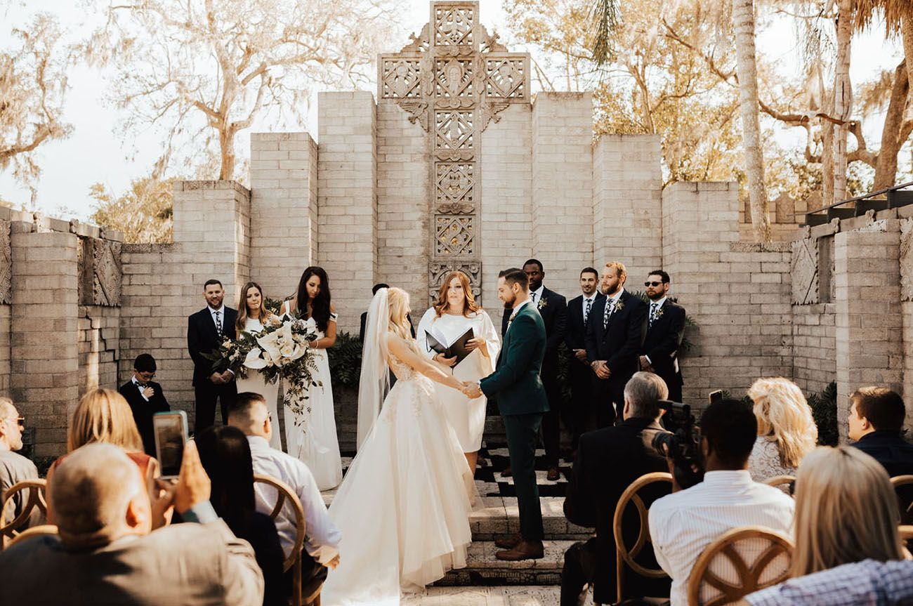 This Class Teaches Friends How To Officiate Your Wedding In 2020 Wedding Ordering Wedding Flowers Online Junebug Weddings