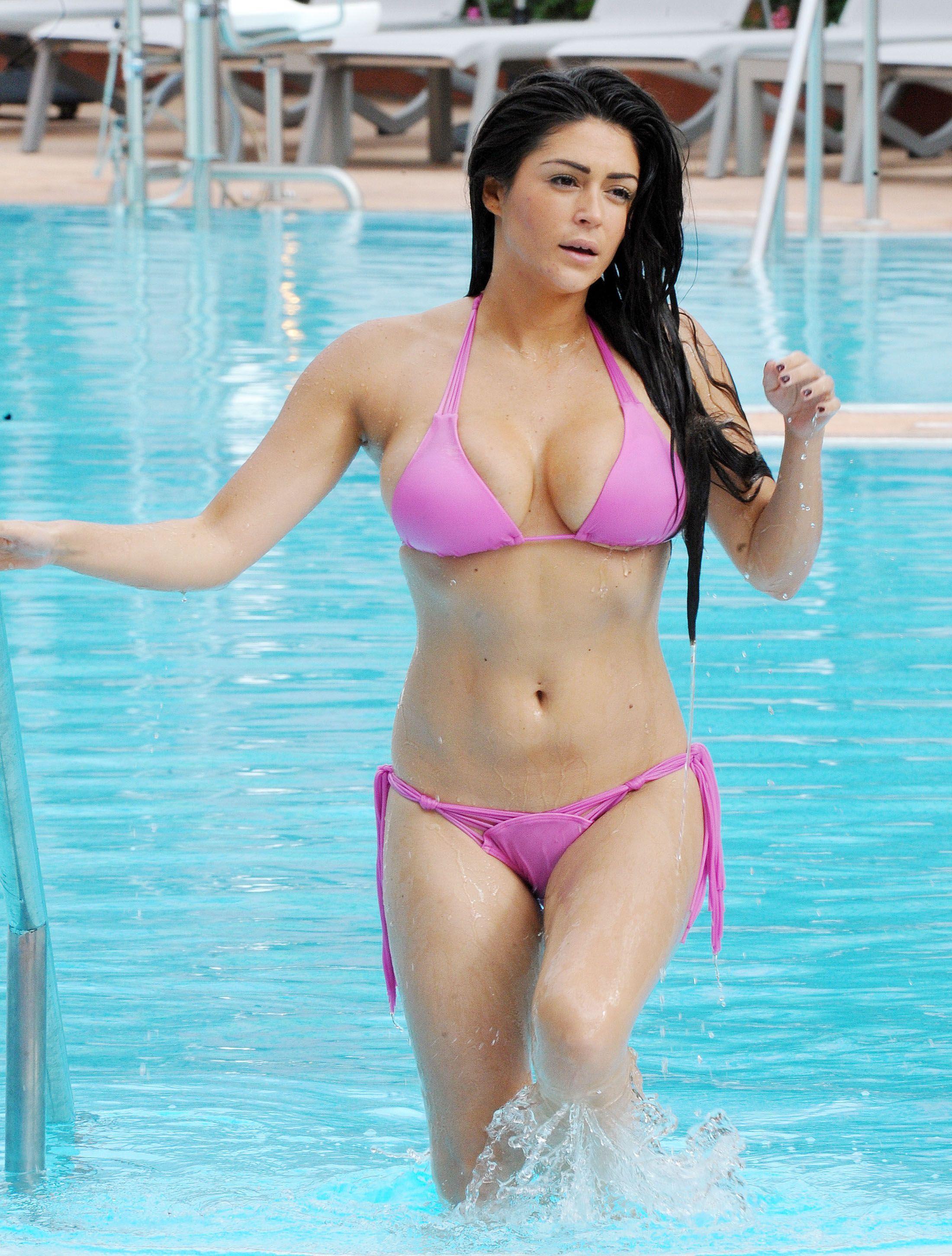 Bikini Nikki Grahame nude (68 photos), Topless, Is a cute, Selfie, in bikini 2015
