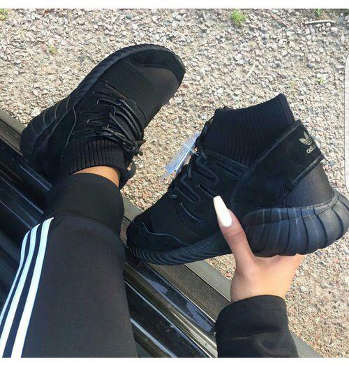 black shoes women adidas