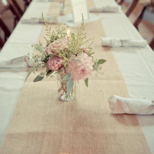 Chemin de table jute au m tre mariage pinterest le - Chemin de table en jute ...