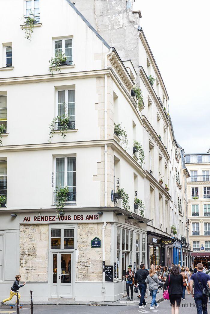 Le Marais Rue des Guillemites -Traveltip : Where to go in Paris? | Binti Home blog : Interieurinspiratie, woonideeën en stylingtips