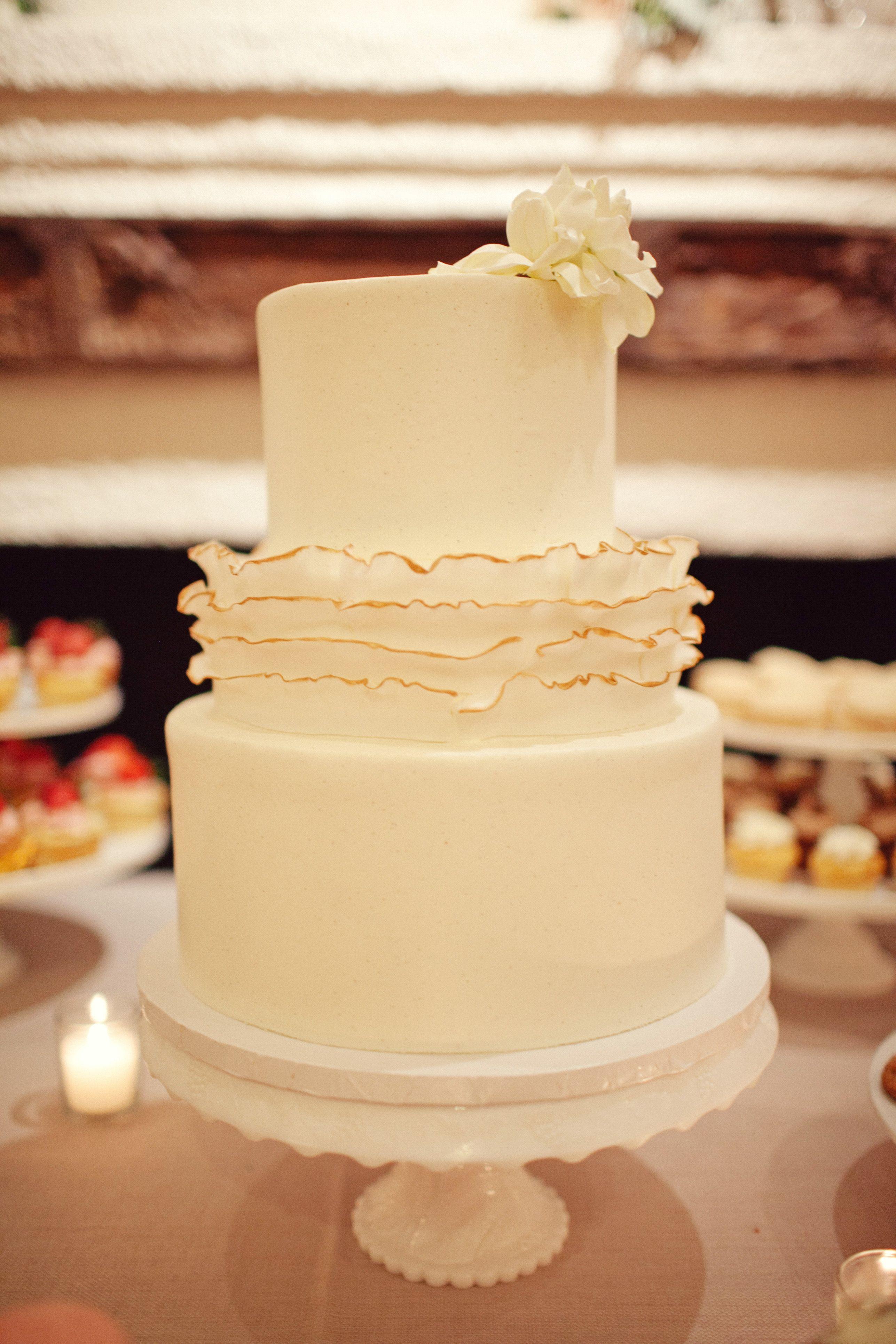 Al Fresco Austin Wedding | Wedding Cake | Pinterest | Cupcake ...